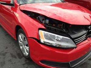 beschadigde auto